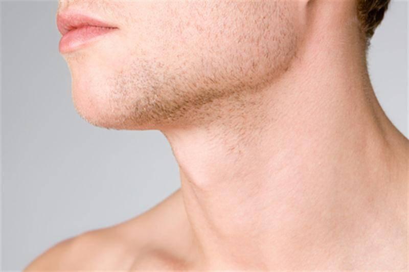 Почему шелушится подбородок у женщины
