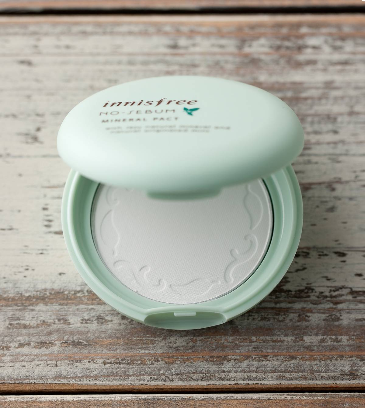 Innisfree No-Sebum mineral powder.