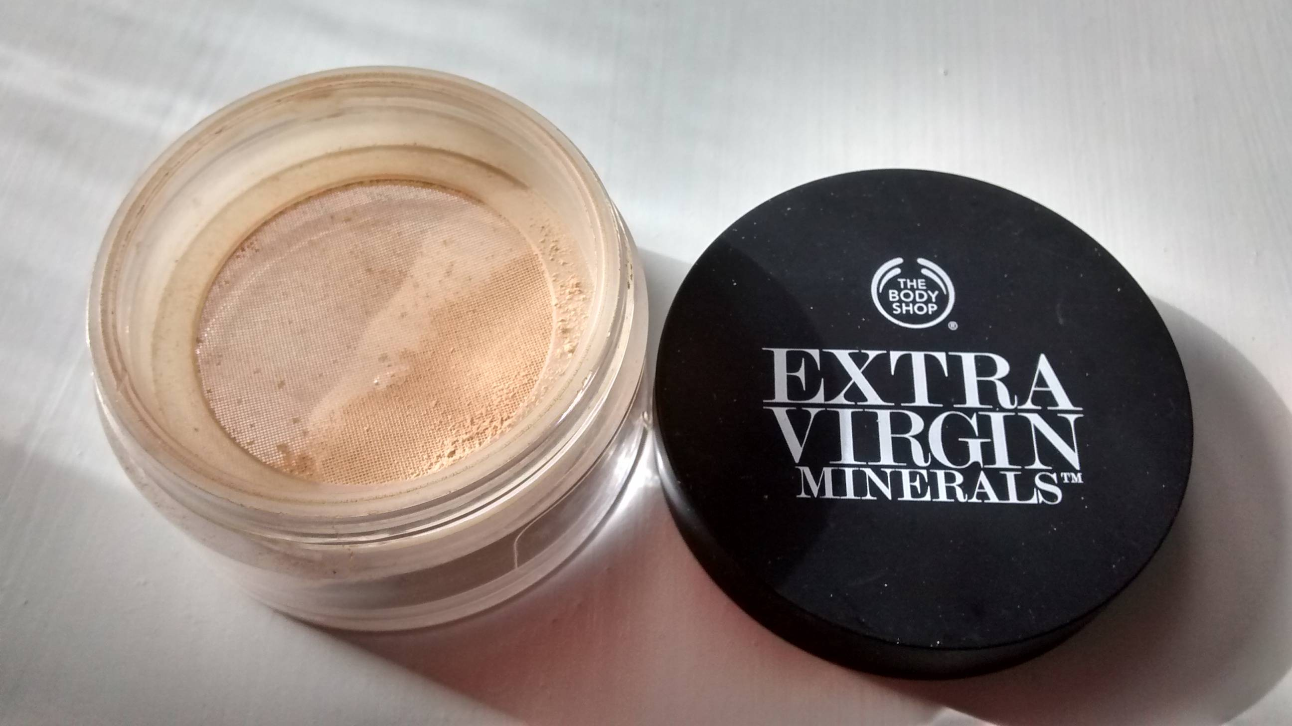 The Body Shop Mineral Foundation.