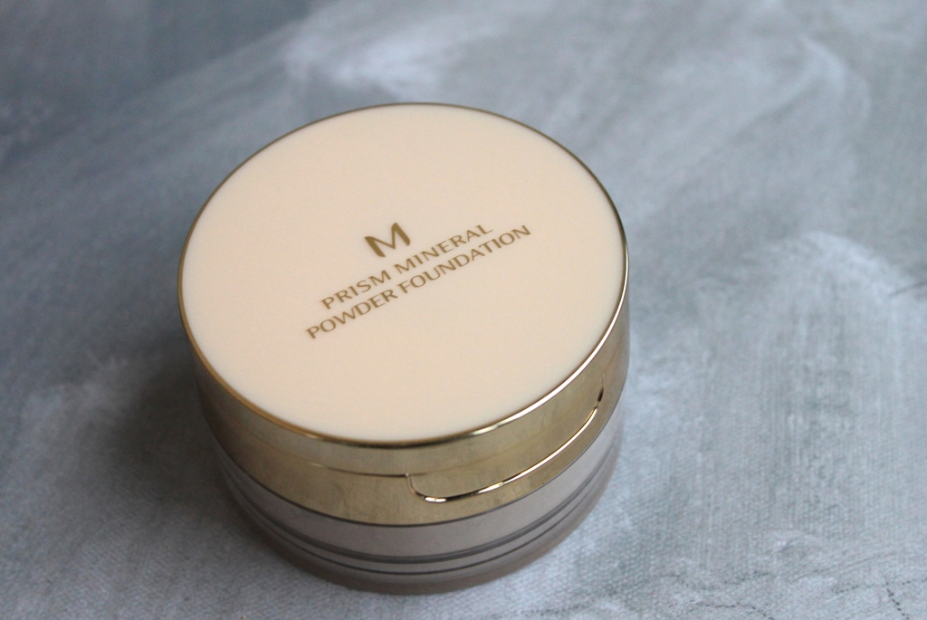 Missha M Prism mineral powder foundation.