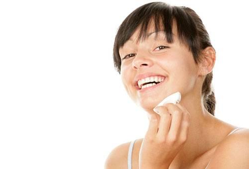 Как очистить лицо от черных точек в домашних условиях без серьезных вложений?