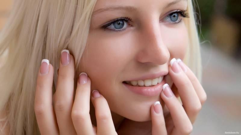 Фото — 7 Привычка дотрагиваться до лица руками пагубно сказывается на состоянии кожи