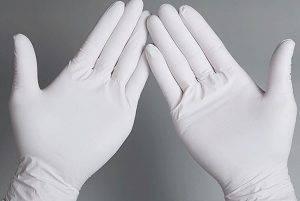 Использование резиновых перчаток