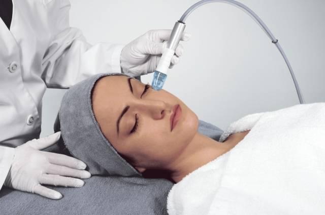 Аппаратная вакуумная чистка лица