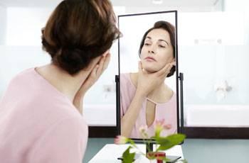 Домашние методы избавления от морщин на шее и зоне декольте
