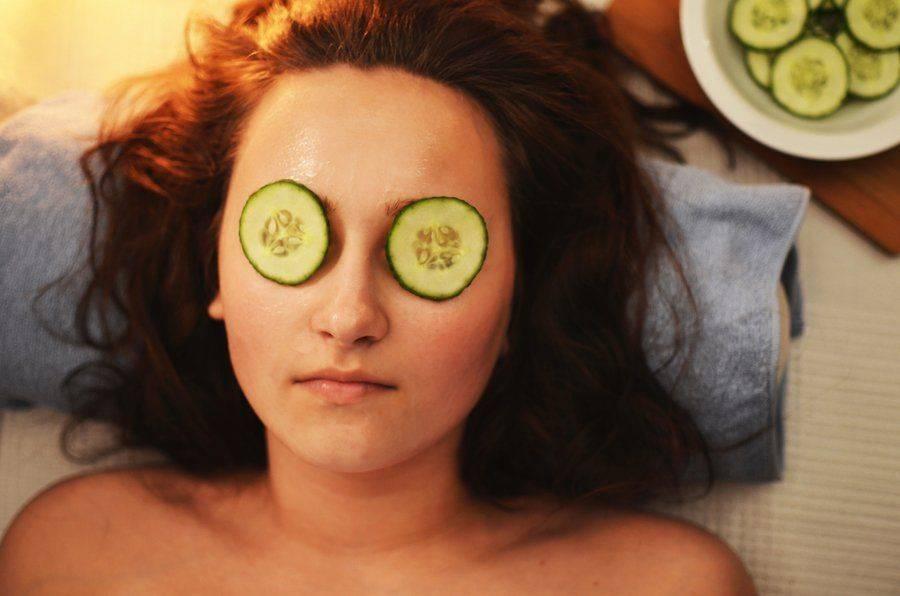 Как снять опухлость с глаз