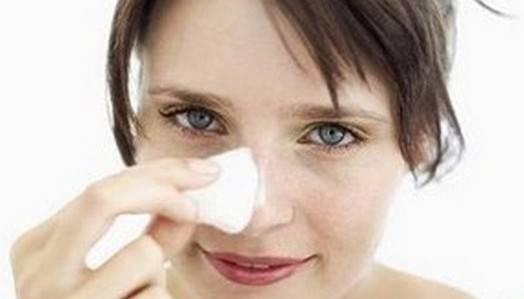 Как удалить угри на носу