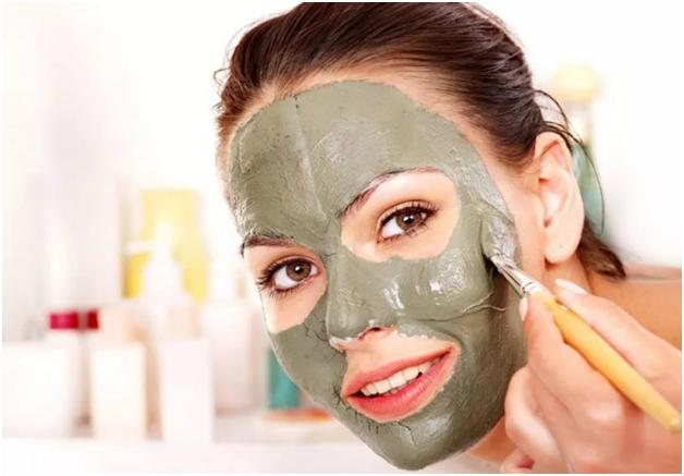 Маска для лица из зеленой глины